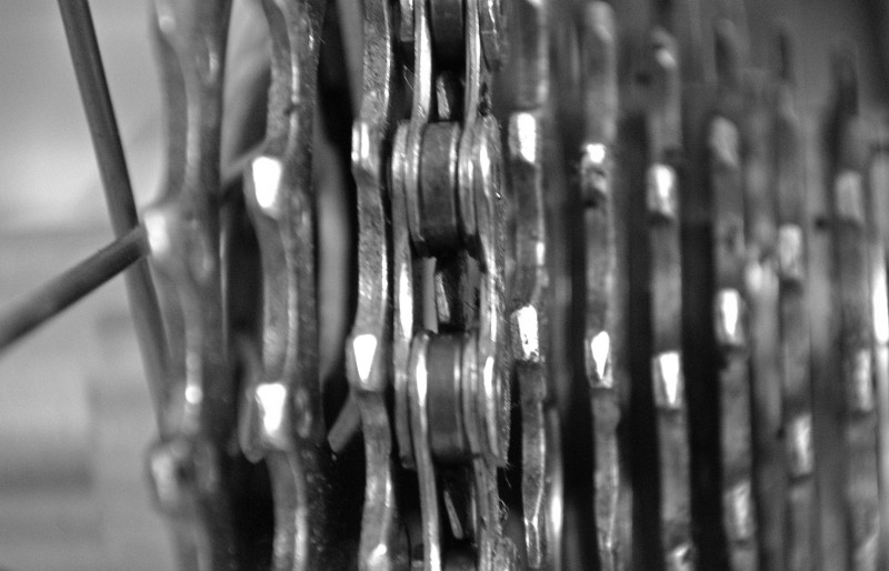 Chain closeup in middle gear
