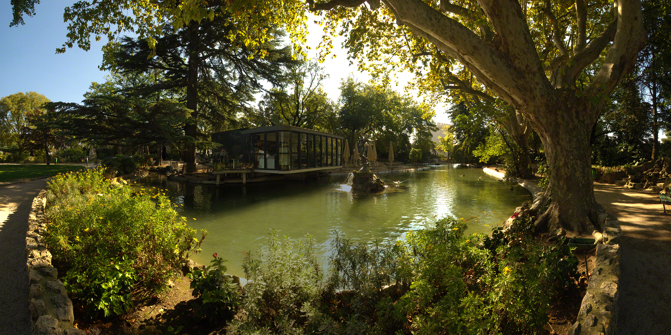 lake near the palais des papes, avignon, France